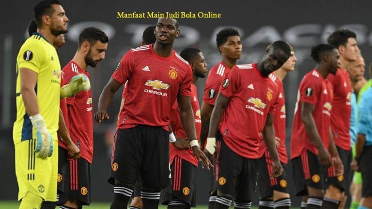 Manfaat Main Judi Bola Online